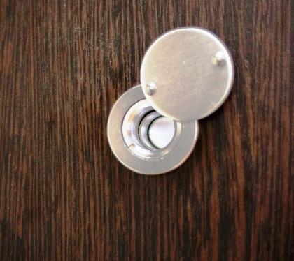 Дверной глазок на двери Булат Барьер
