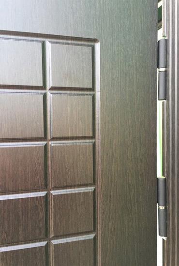 Петли на входной двери Кондор Реал