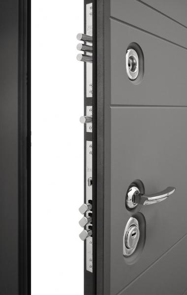 Входная дверь Гранит С9 в раскрытом виде
