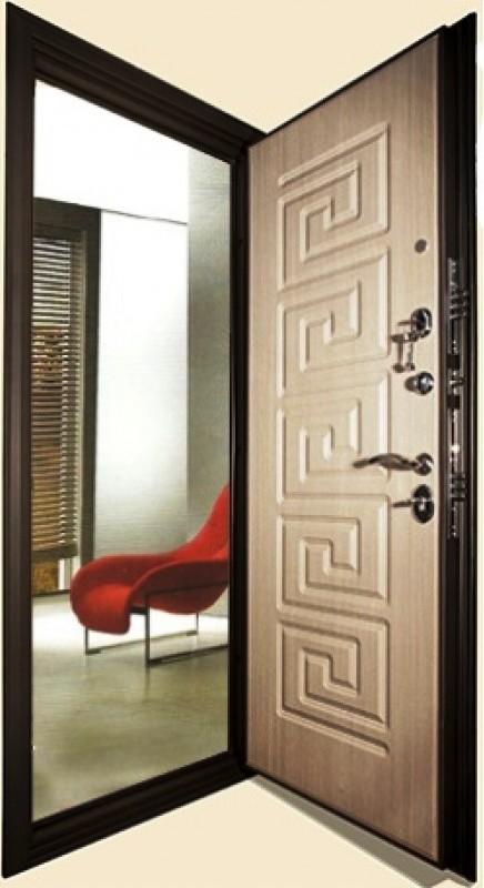Входная дверь Кондор Греция в открытом виде