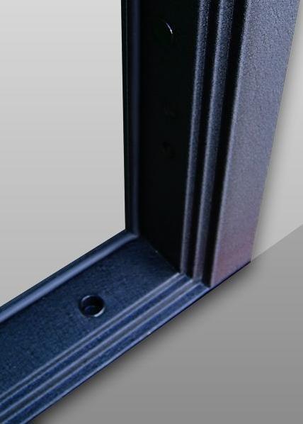 Коробка с нижним порогом на входной металлической двери Гарда S6