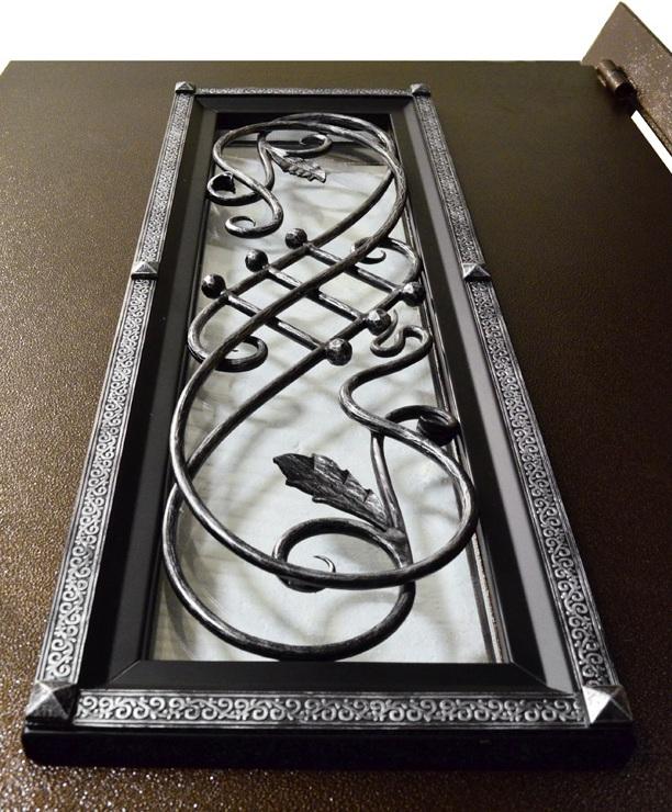 Обрамление стеклопакета на входной двери Гранит Коттедж