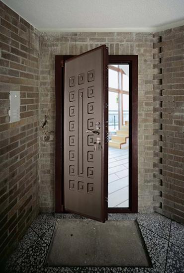 Фото двери Гранит М5 в интерьере